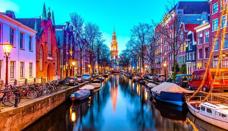 Hà Lan: Thủ đô Amsterdam tăng phí lưu trú qua đêm - Hình 1