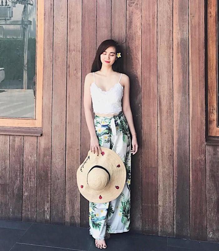 Phong cách thời trang cực gợi cảm của nữ giám khảo cuộc thi hoa hậu chui - Hình 7