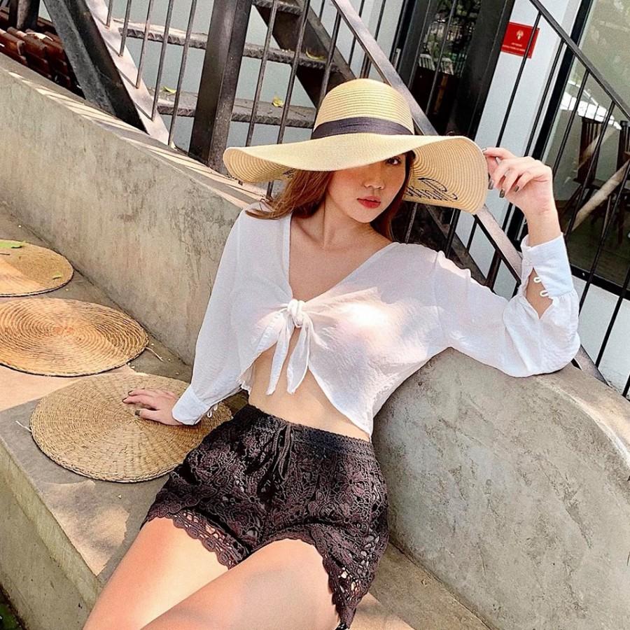 Phong cách thời trang cực gợi cảm của nữ giám khảo cuộc thi hoa hậu chui - Hình 4
