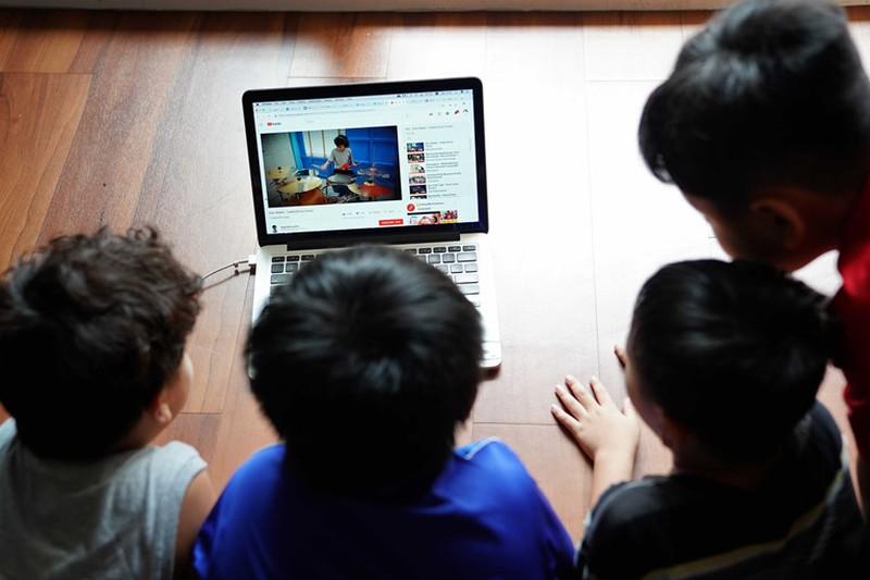 Bảo vệ trẻ em trên môi trường mạng - thay vì cấm hãy dạy - Hình 1