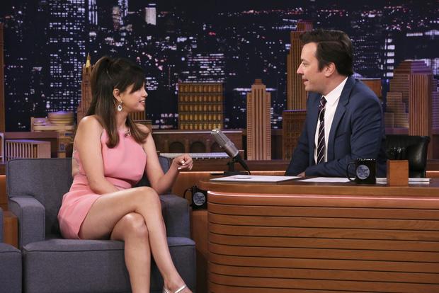 Hình ảnh chênh lệch 1 thập kỷ gây choáng của Selena Gomez: Chị đẹp đúng là yêu tinh hack tuổi chuyển thế! - Hình 1