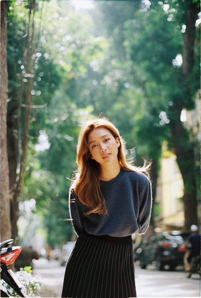 Khả Ngân sương sương xuống phố cũng gây sốt: Đúng là đẳng cấp được đề cử top 100 gương mặt đẹp nhất Châu Á! - Hình 1