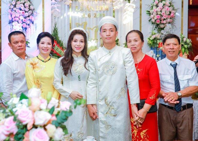 Duy Mạnh và những cầu thủ Việt lập gia đình, có con sau U23 châu Á 2018 - Hình 1