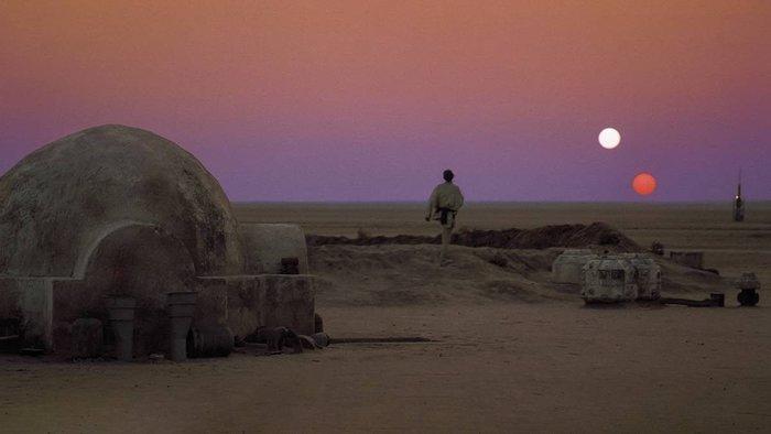 Hành động khó hiểu của Rey ở cuối Star Wars: The Rise of Skywalker có ý nghĩa gì? - Hình 1