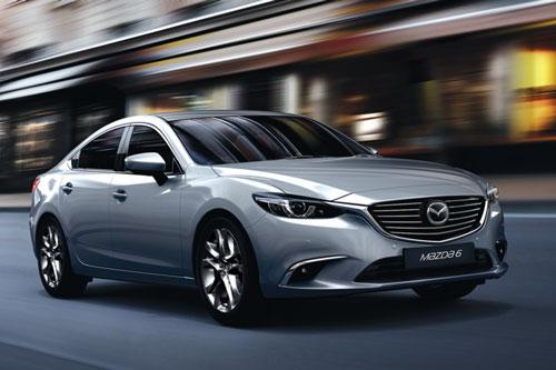 Mazda 6 giảm giá mạnh, quyết đấu với Toyota Camry, Honda Accord - Hình 1