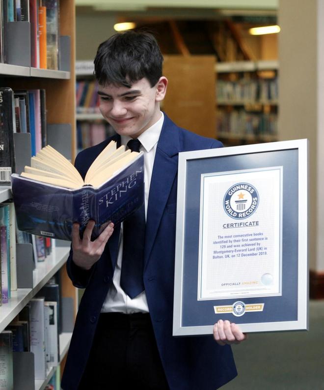 Nhớ 129 cuốn sách, cậu bé 14 tuổi lập kỷ lục thế giới - Hình 1