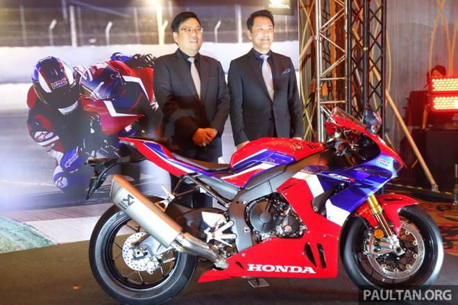 Siêu mô tô 2020 Honda CBR1000RR-R SP ra mắt, đắt ngang Toyota Camry - Hình 1