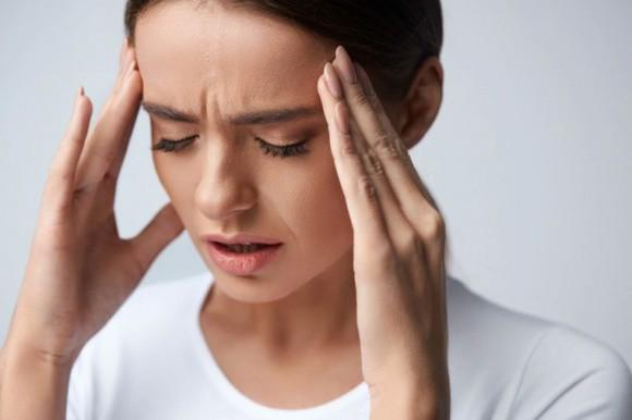 Tùy thời điểm xuất hiện cơn đau đầu, hãy cẩn trọng với những bệnh nguy hiểm này - Hình 1