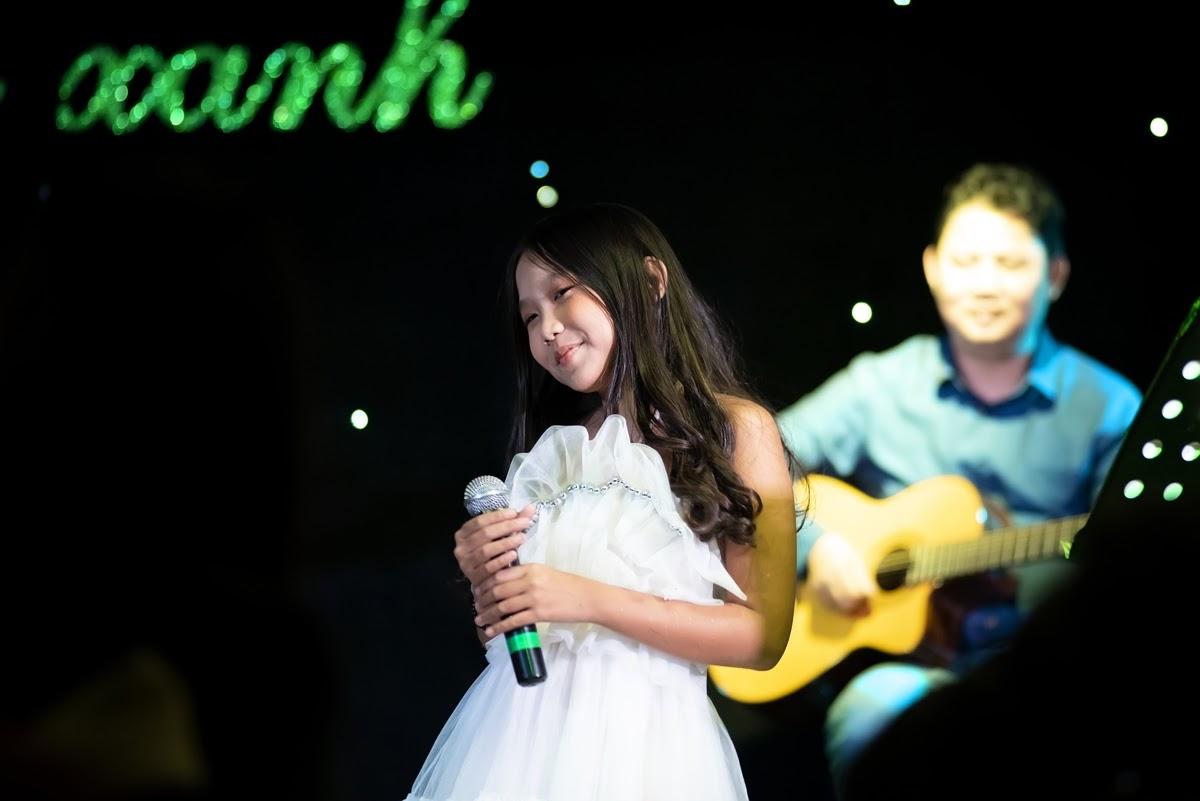 Thái Thùy Linh hát tình ca, rơi nước mắt nói về người tự kỷ - Hình 12