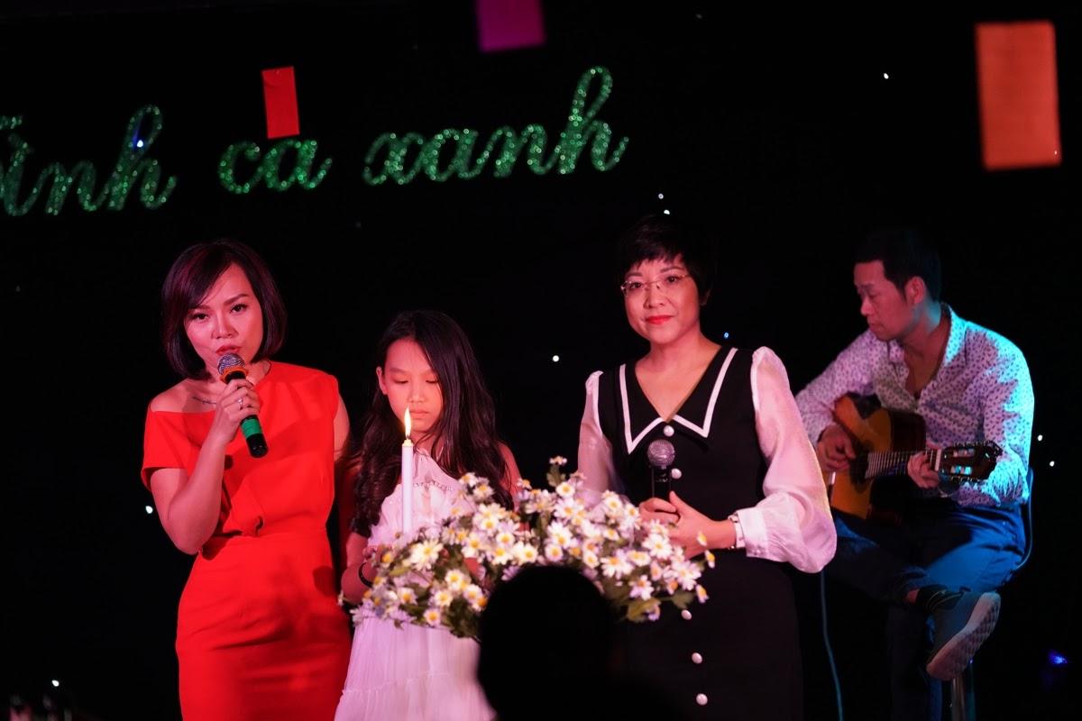 Thái Thùy Linh hát tình ca, rơi nước mắt nói về người tự kỷ - Hình 2
