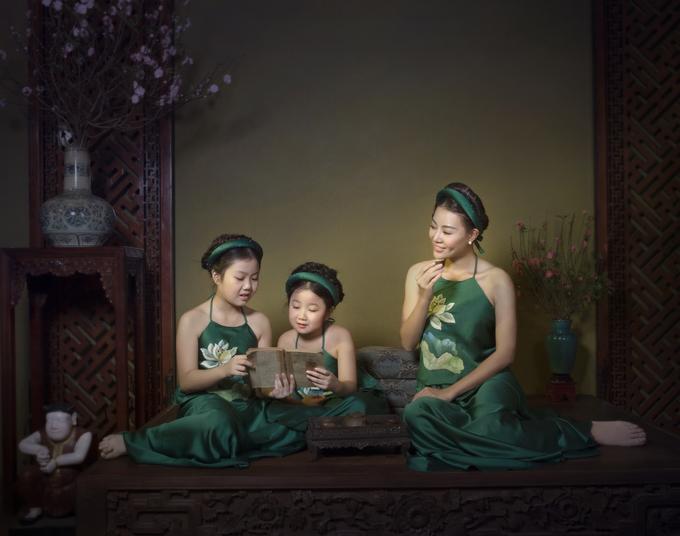 Ba mẹ con Thanh Hương diện yếm hoa sen - Hình 1