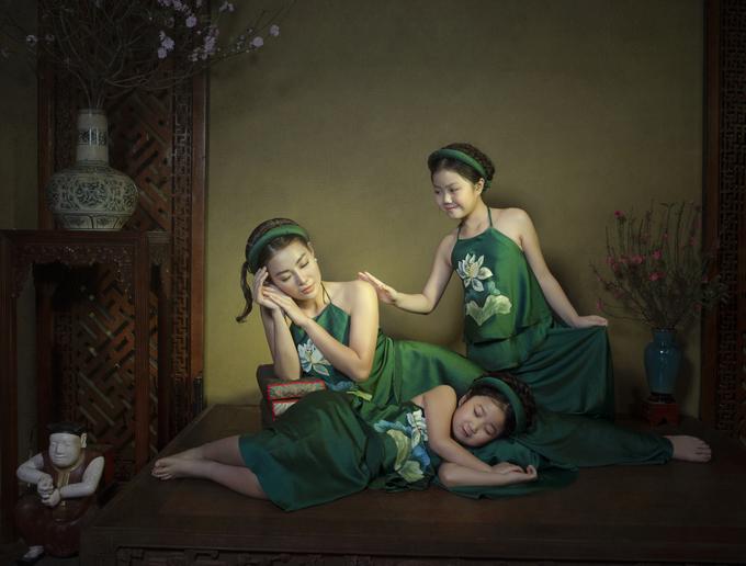 Ba mẹ con Thanh Hương diện yếm hoa sen - Hình 2