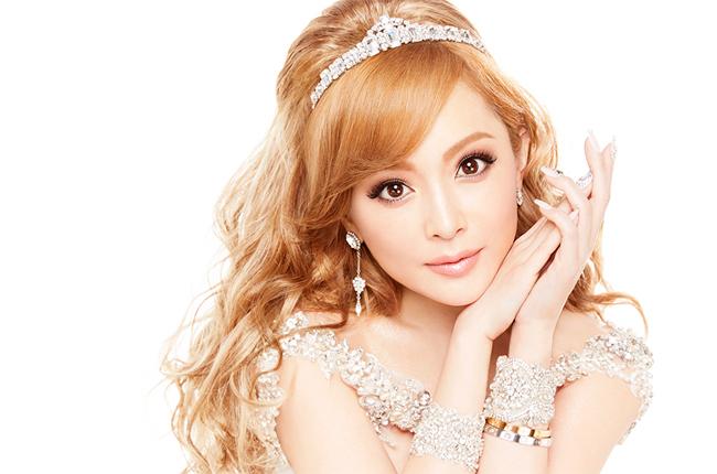 Diva Nhật sinh con cho người tình - Hình 1