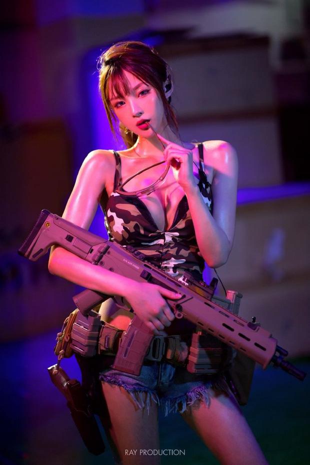 Dàn hot girl cosplay PUBG , chỉ nhìn thôi là súng ống đã lên nòng để sẵn sàng chạy bo - Hình 1