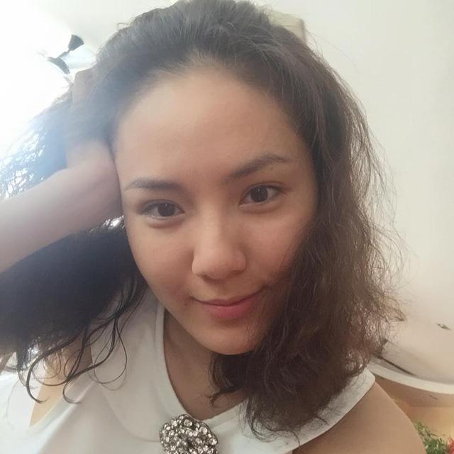 Đẳng cấp mặt mộc dàn mỹ nhân Việt tuổi Tý: Kỳ Duyên gây bất ngờ khi trút bỏ lớp son phấn, làn da Đỗ Mỹ Linh quá đỉnh - Hình 31