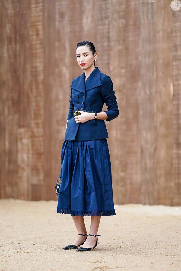 Nhàm chán với sắc đỏ ngày Tết, đừng ngại phá cách với trang phục tông xanh cổ điển hot trend - Hình 8