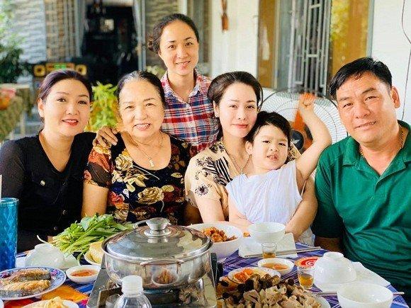Nhật Kim Anh: Mục tiêu lớn nhất năm Canh Tý là đưa con trai về sống cùng - Hình 3