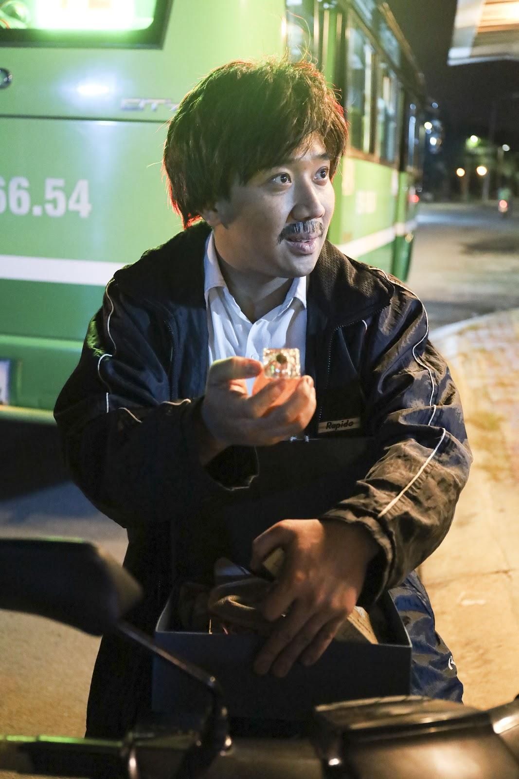 Trấn Thành trở thành ông bố lam lũ, 'cục súc' nhưng giàu tình cảm trong web-drama 'Bố già' - Hình 12