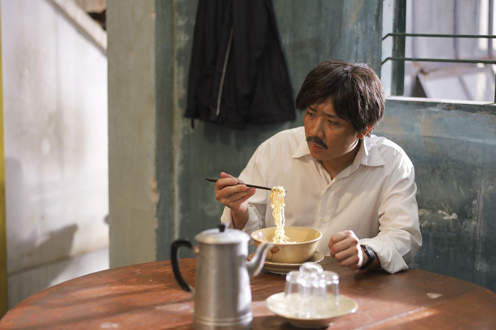 Trấn Thành trở thành ông bố lam lũ, 'cục súc' nhưng giàu tình cảm trong web-drama 'Bố già' - Hình 5