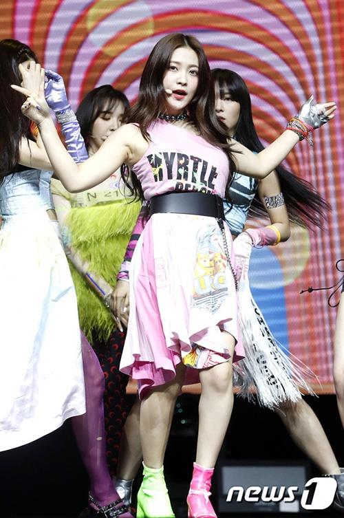 Red Velvet được khen lên đời phong cách sau tin đồn đổi stylist - Hình 8