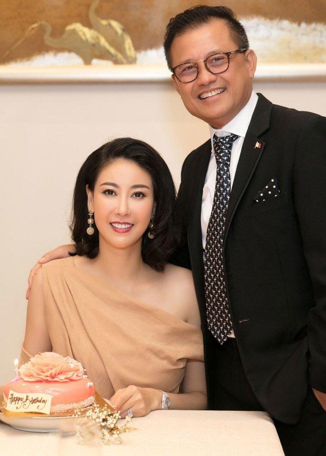 3 Hoa hậu giàu nhất VN: Biệt thự 100 tỷ của Hà Kiều Anh chưa bằng mỹ nhân có cung điện dát vàng - Hình 4