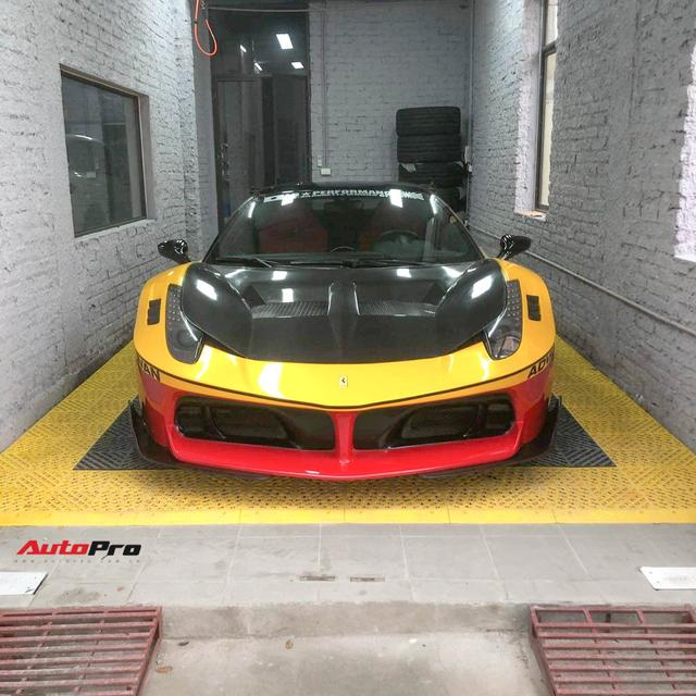 Ferrari 458 LB-Silhouette Works độc nhất Việt Nam thay 'áo' lạ đón Tết - Hình 1