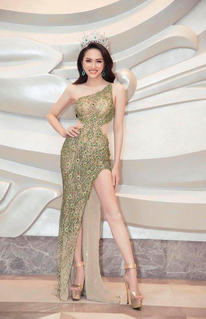 Hương Giang bất ngờ bị fan Philippines tố mặc váy nhái của Catriona Gray, fan Việt quyết bảo vệ đến cùng - Hình 6