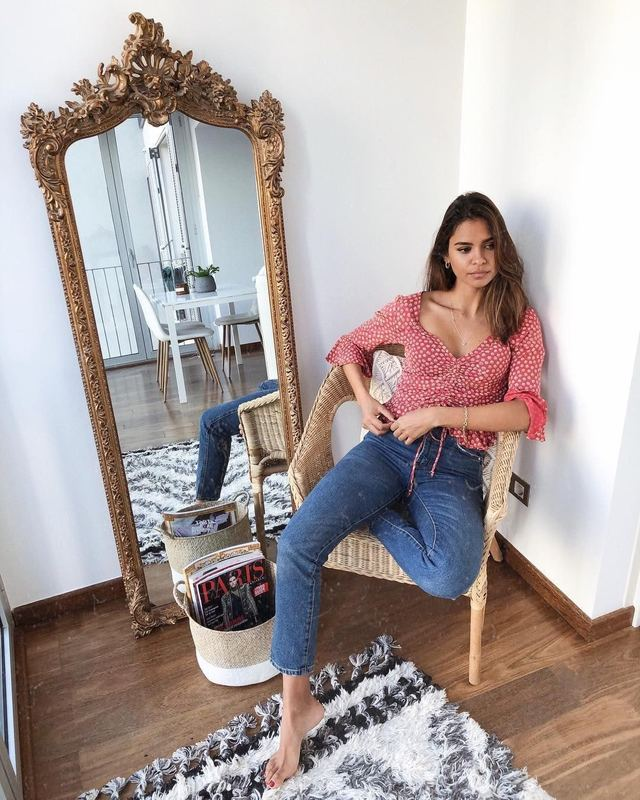 Nàng blogger da ngăm có 3 item ruột giúp cô luôn ăn vận sang xịn và thanh lịch hết sức - Hình 10