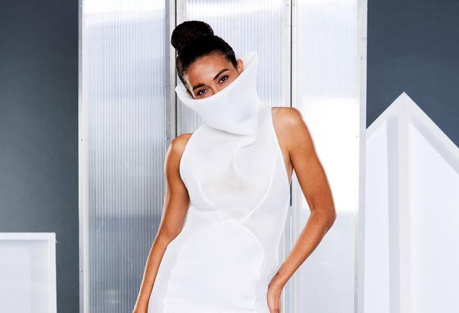 Chiếc váy liền khẩu trang được bán hết trong vòng 24 giờ - Hình 2