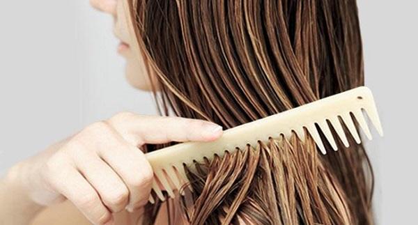7 thói quen khiến tóc khô xơ và dễ gãy rụng - Hình 2