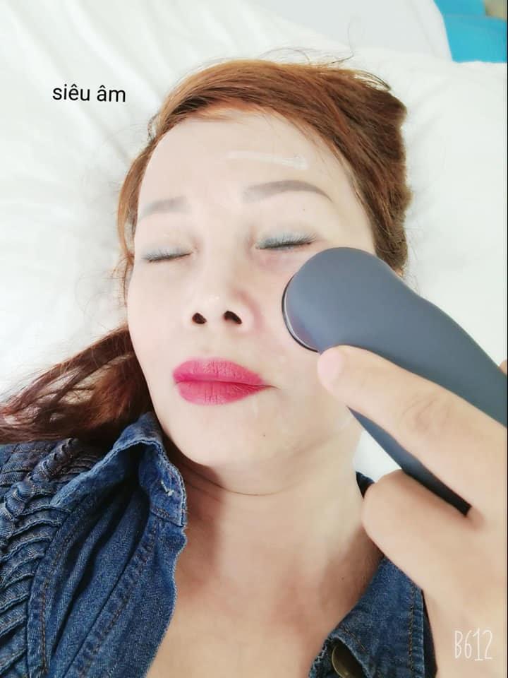 Cô dâu Thu Sao bị chửi mất nết khi để lộ bộ phận nhạy cảm trên giường chăm sóc sắc đẹp - Hình 4