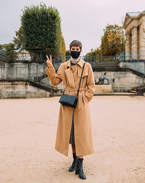 Fashionista dùng khẩu trang như phụ kiện - Hình 9