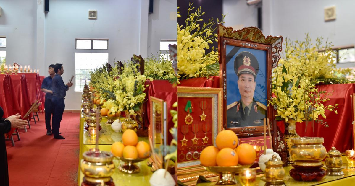 Trực tiếp: Phó Thủ tướng Trịnh Đình Dũng viếng 13 liệt sĩ hy sinh ở Rào Trăng
