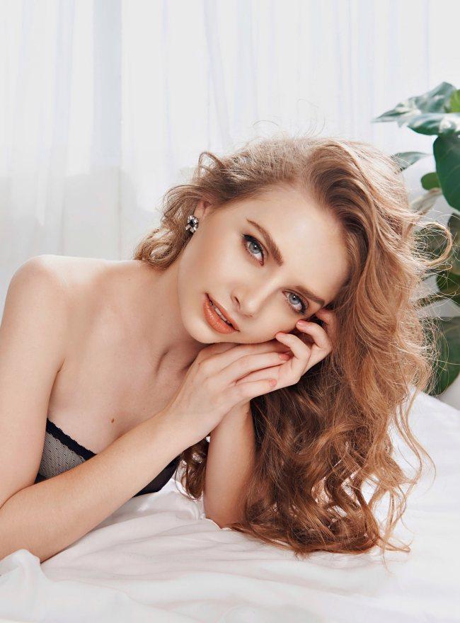Hot girl Ukraine đang gây sốt ở Sài thành: Dáng nuột, mặt xinh cứ ngỡ tranh vẽ - Hình 10