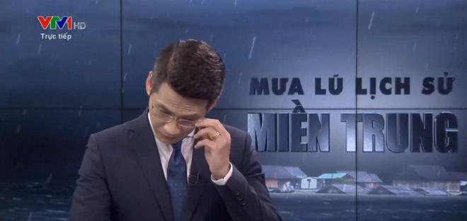 BTV của VTV nghẹn ngào, không nói thành lời trên sóng trực tiếp trong chương trình về mưa lũ miền Trung - Hình 3