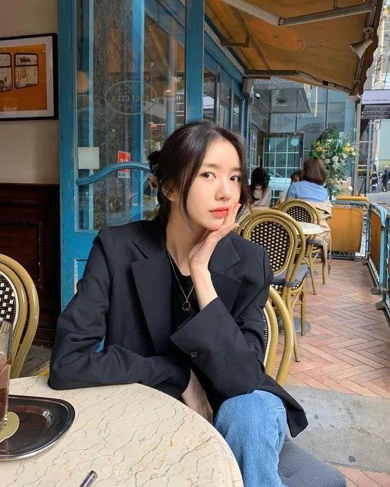 12 gợi ý lên đồ ngày se lạnh như gái Hàn - Hình 1