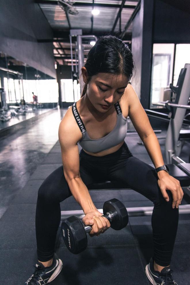 Giảm 38 kg, cô giáo Thái Lan bất ngờ nổi tiếng trên mạng - Hình 3