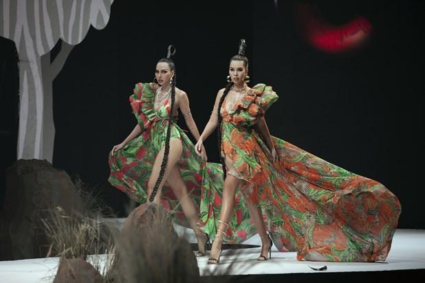 Vietnam Runway Fashion Week 2020 khai màn: Giấc mơ Rừng hồi sinh... - Hình 4