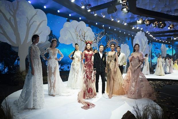 Vietnam Runway Fashion Week 2020 khai màn: Giấc mơ Rừng hồi sinh... - Hình 2