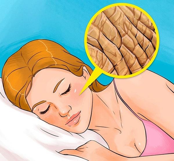 Điều gì xảy ra nếu không tẩy trang trước khi ngủ? - Hình 3