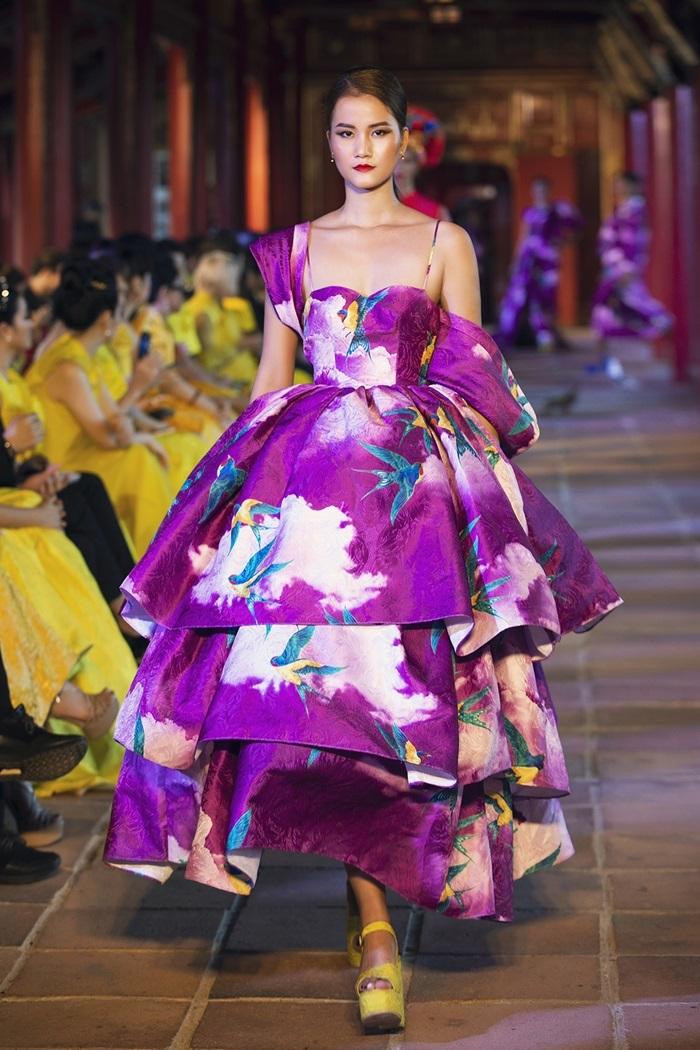 Váy áo sắc màu của Vũ Ngọc và Son - Hình 9