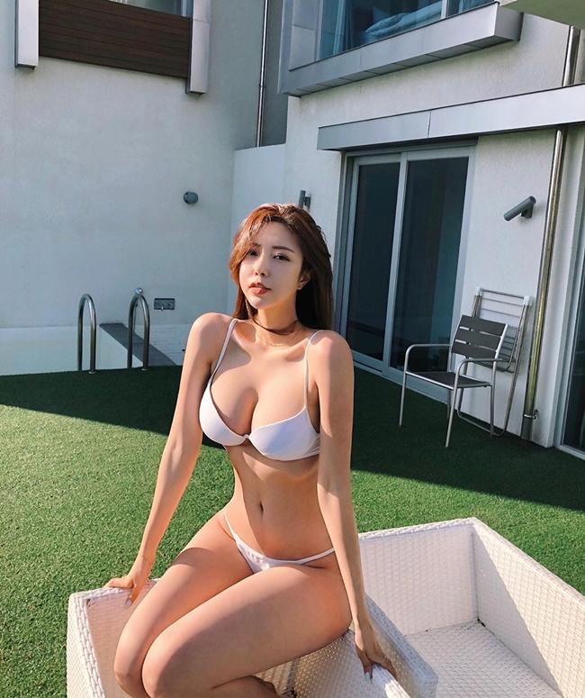 Sở hữu dáng hình Vệ nữ, 2 hot girl mạng xã hội Hàn vướng nghi vấn trùng tu toàn thân - Hình 6