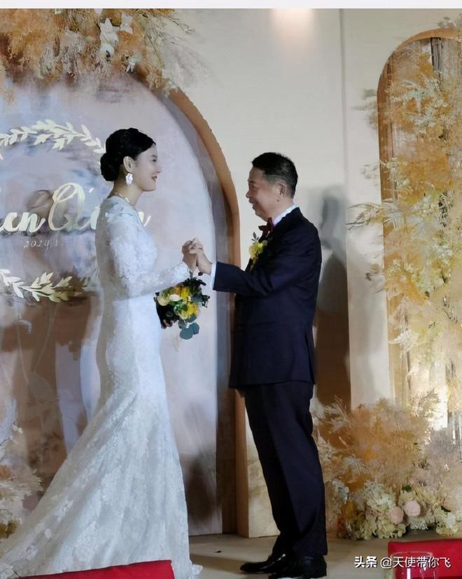 Cô dâu hot nhất hôm nay: Mẫu nữ cưới trùm vàng U65 sở hữu gia sản 500.000 tỷ, quá khứ phức tạp cùng tuyên ngôn gây tranh cãi - Hình 10
