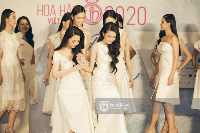 Loạt ảnh bóc hình thể thật của top 60 Hoa hậu Việt Nam 2020 trước đêm bán kết: Có thí sinh lộ body không như mơ! - Hình 5