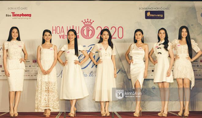 Loạt ảnh bóc hình thể thật của top 60 Hoa hậu Việt Nam 2020 trước đêm bán kết: Có thí sinh lộ body không như mơ! - Hình 1