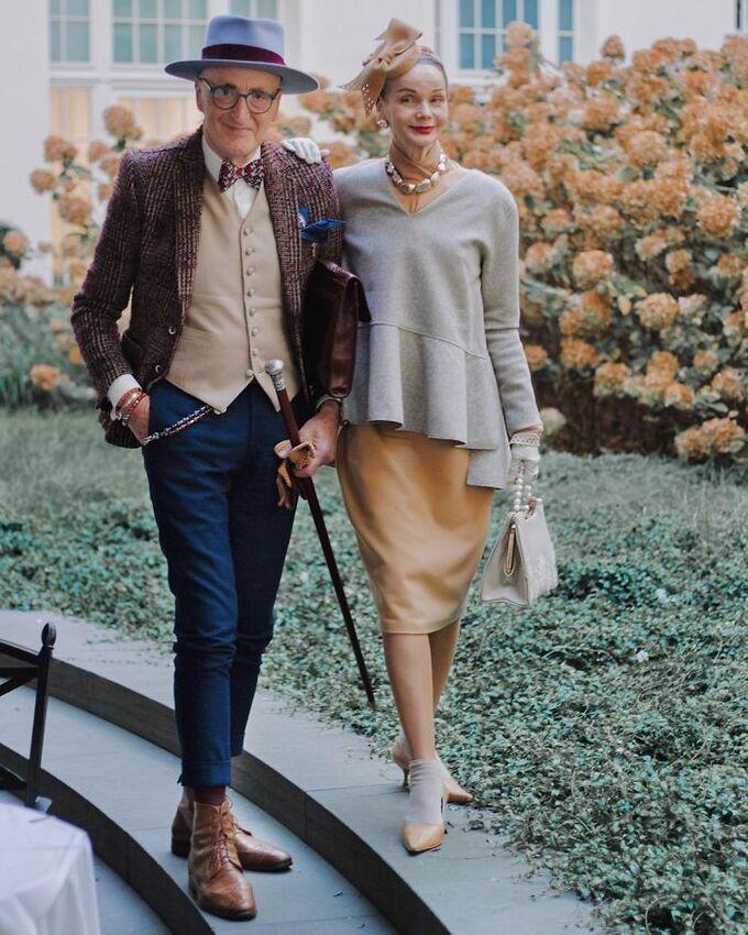 Cặp đôi 70 tuổi người Đức khoe gu thời trang cực chất - Hình 8