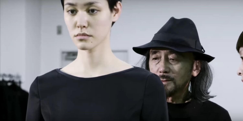 Nhà thiết kế Nhật lừng danh với phong cách phản thời trang độc đáo - Hình 1
