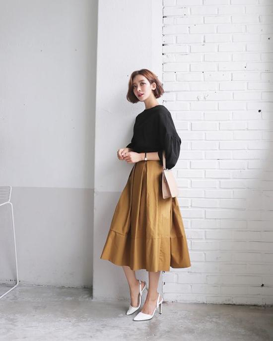 Váy kaki màu be - diện lên là thấy ngập tràn sắc thu - Hình 2