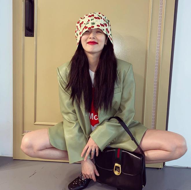 5 kiểu mũ được sao Hàn yêu thích trong mùa lạnh, vừa giúp giữ ấm vừa để chụp hình siêu xinh - Hình 17