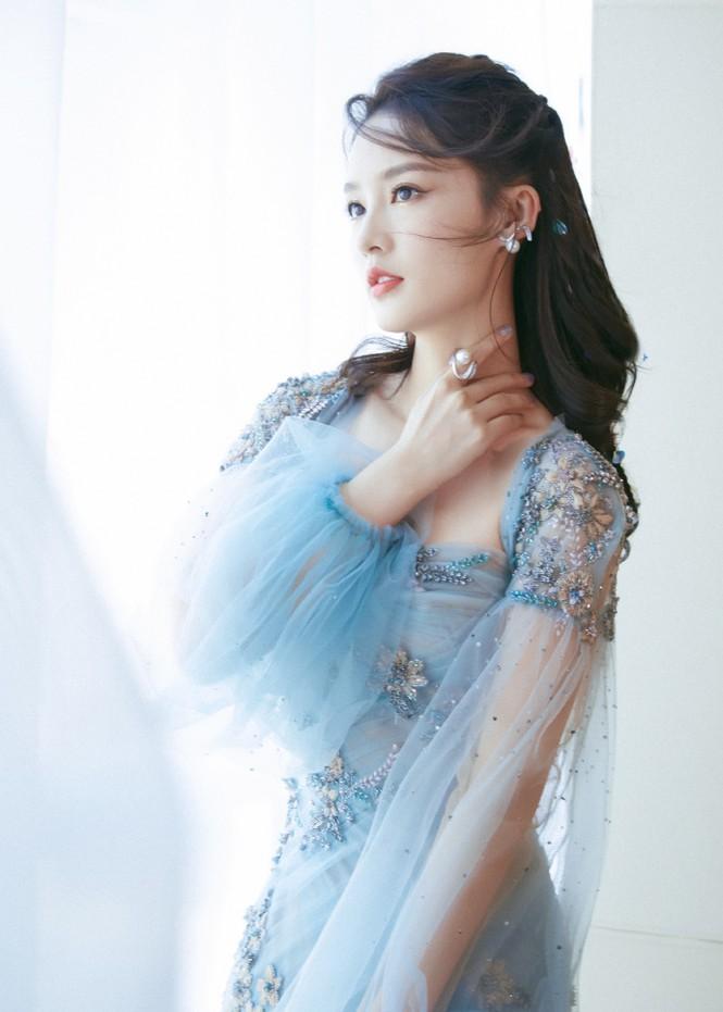 Loạt mỹ nhân Hoa ngữ khoe sắc vóc cực phẩm tại sự kiện Lễ độc thân - Hình 8